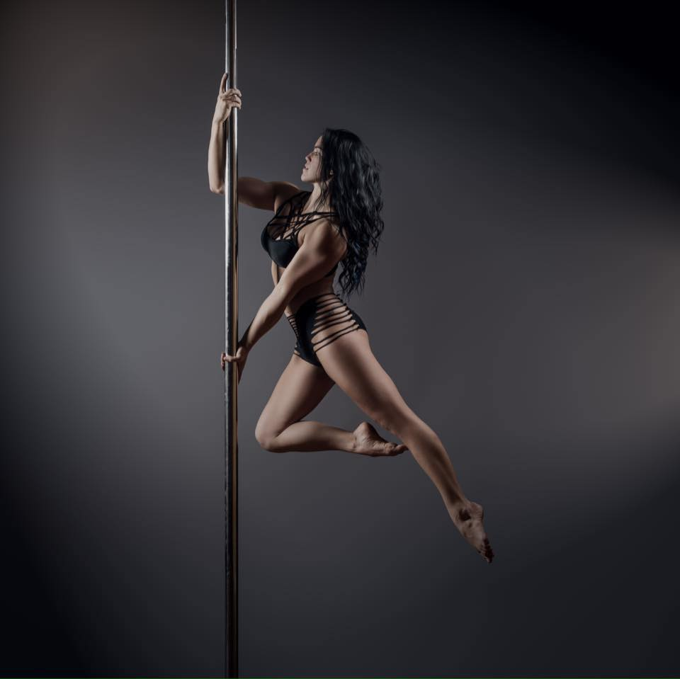 Interview: Talking Inspiration with Pole Dancer Sarah Scott